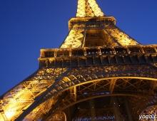 Париж. Узор конструкции Эйфелевой башни