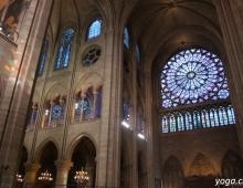 Париж. Собор Парижской Богоматери. Витраж