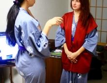 先生と日本語を話します。- Разговариваю с моим учителем японского