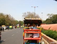 В городском транспорте