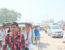 Индия. Рикши на дороге