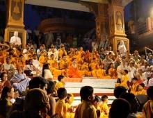 Индия Ришикеш. Церемония прощания с Гангой
